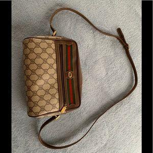 Vintage Gucci sling bag